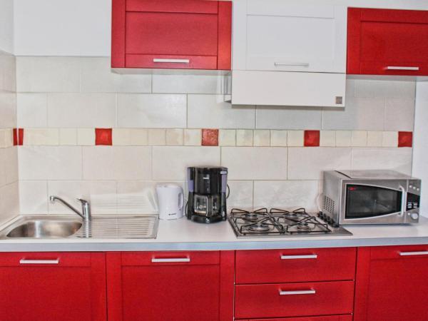 Hotel Pictures: Apartment Les Brises de Mer, Santa-Lucia-di-Moriani