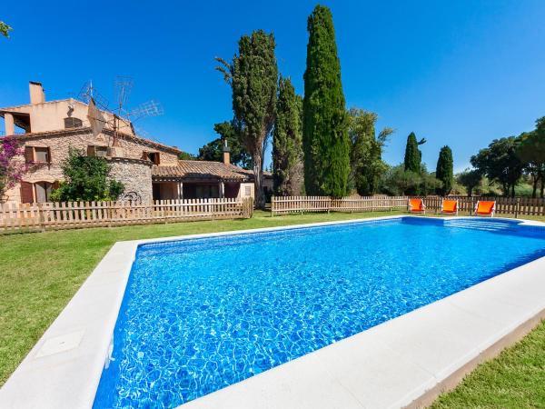 Hotel Pictures: Farm Stay Mas Moli, Vall-Llobrega