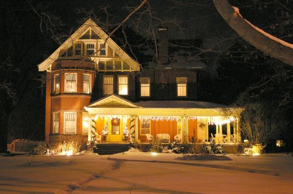 Hotel Pictures: Lalor Estate Inn, Dunnville