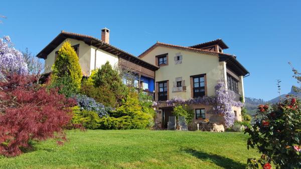 Hotel Pictures: C.A. Heredad de la Cueste, Llenín
