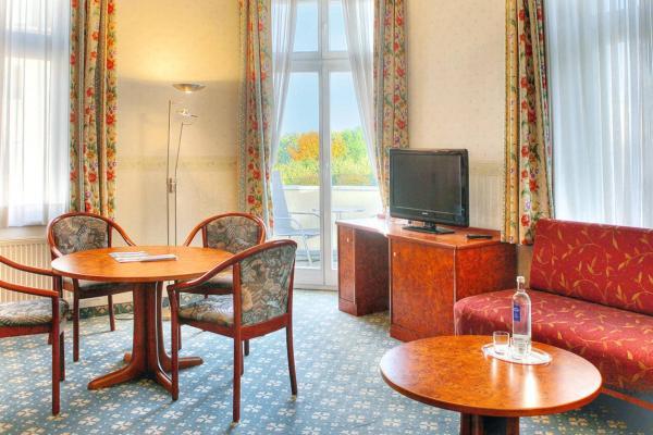 Hotel Pictures: Villa Strandschloß (100), Ahlbeck