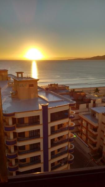 Hotel Pictures: Meia Praia Apto 3Q, Itapema