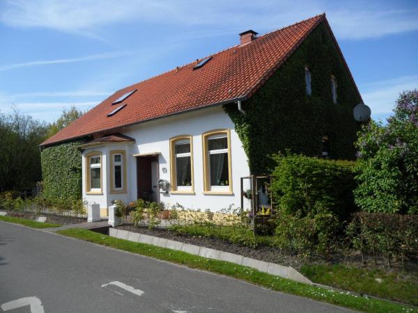 Hotel Pictures: Frieslands Ferienwohnung, Bockhorn