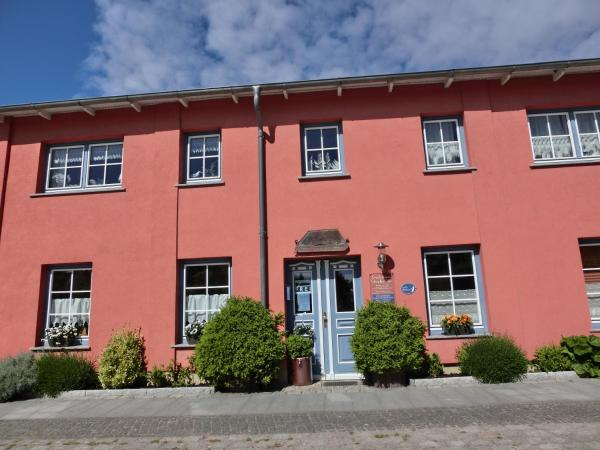 Hotel Pictures: Gästehaus Daheim, Lohme