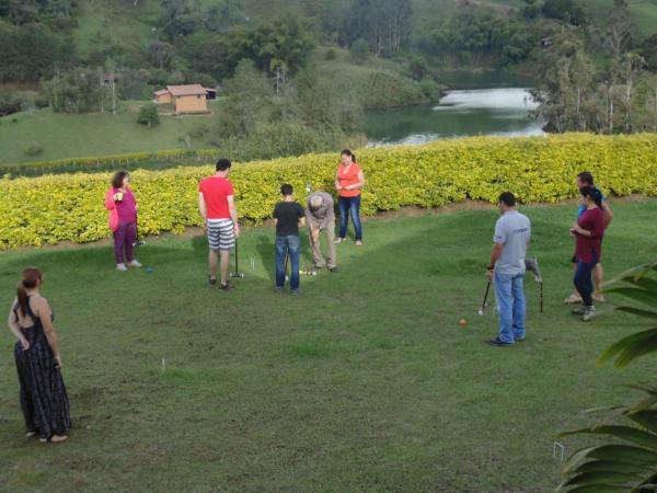 Hotel Pictures: Frente al Lago Hostal, Peñol