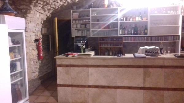 Hotel Pictures: Le Saint Victor, Mirabel-aux-Baronnies