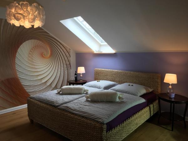 Hotel Pictures: SEASIDE APARTMENTS - LIGHTHOUSE LOFT, Eckernförde