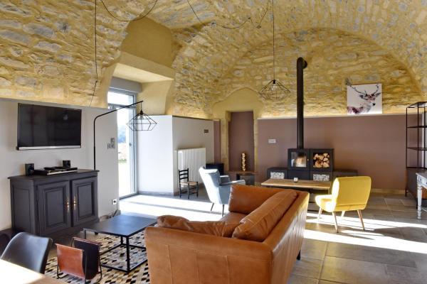 Hotel Pictures: Gite du Jardin Castel d'Alzac, Saint-Jean-d'Alcapiès