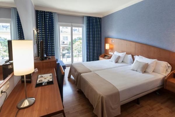 Hotel Pictures: Delfín, Tossa de Mar
