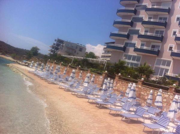Zdjęcia hotelu: Blue Residence Apartments - Private Beach, (( Kakomë ))