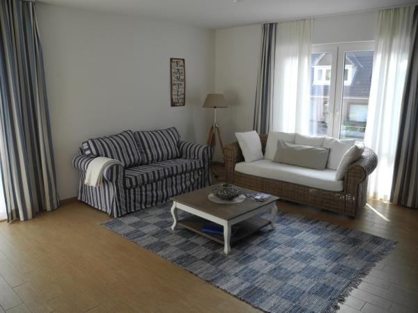 Hotel Pictures: SEASIDE APARTMENTS - SUNNY BLUE, Eckernförde