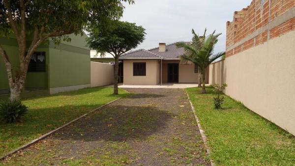Hotel Pictures: Casa com Amplo Pátio Fechado, Verde Mar