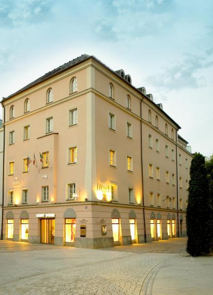 Hotel Pictures: Hotel Weisser Hase, Passau