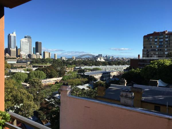 Fotos de l'hotel: Harbour Bridge View Studio with balcony, Sydney
