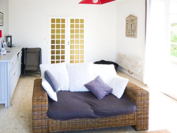 Hotel Pictures: Charmante maison en bord de mer, Saint-Vincent-sur-Jard