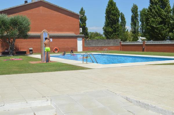 Hotel Pictures: Vivalidays Villa Consuelo, Palafolls