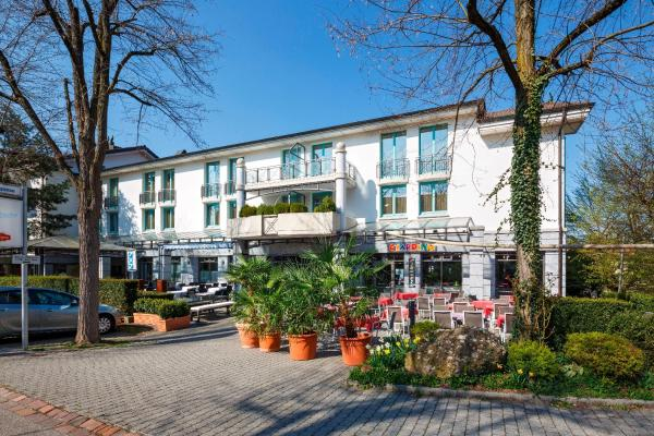 Hotel Pictures: Hotel Fly away, Kloten