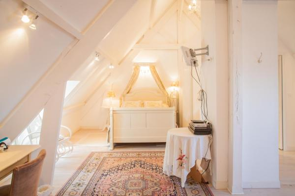 Hotel Pictures: La Vieille Abbaye, Barbery