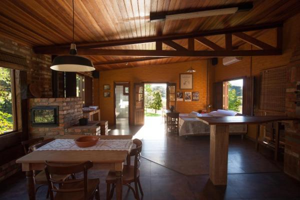 Hotel Pictures: Loft rustico no campo, Garibaldi