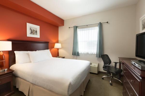 Hotel Pictures: Travelodge Kindersley, Kindersley