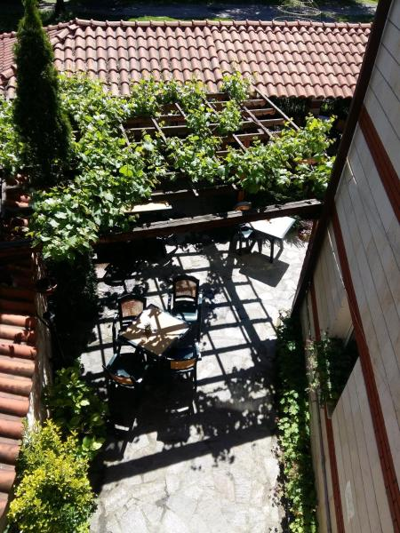 Hotellikuvia: Hotel Antique, Zlatitsa