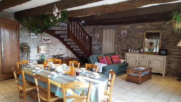 Hotel Pictures: Grande longere, Saint-Potan