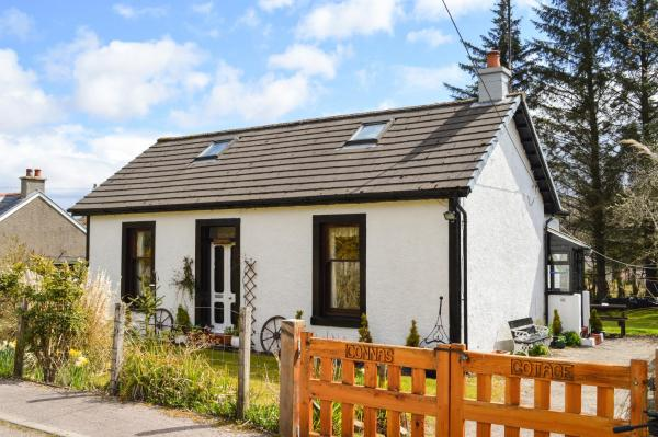 Hotel Pictures: Connas Cottage, Tighnabruaich