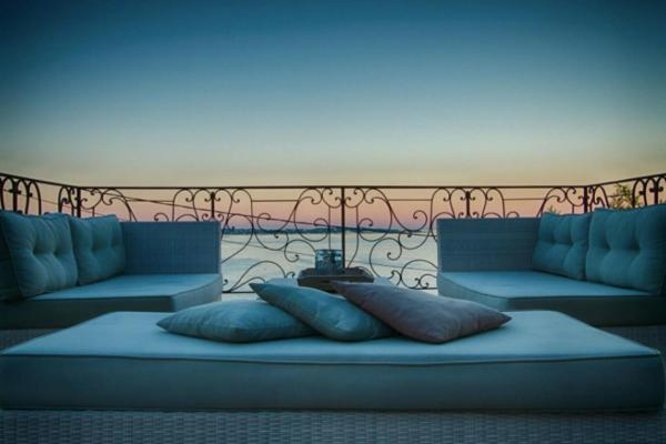 Hotel Pictures: Luxurious Cannes Villa With Sea View, Vallauris