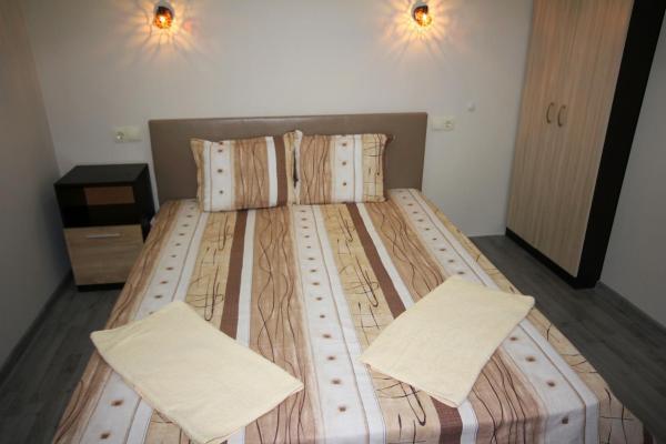 Hotellikuvia: Guest House Ivanovi, Banya