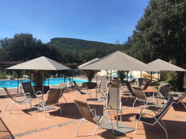 Hotel Pictures: Les Cascades, La Roque-sur-Cèze