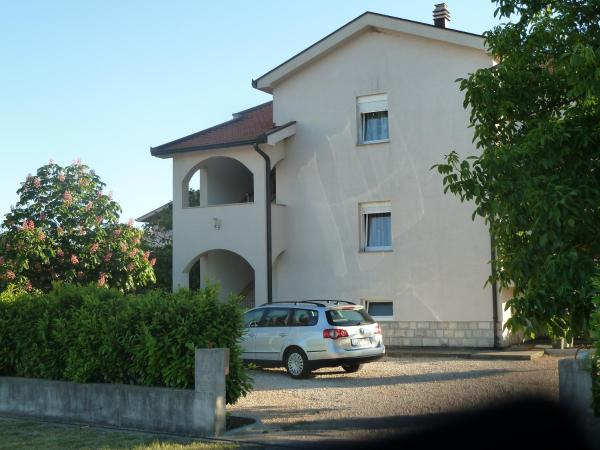 Hotellikuvia: Apartment Ivan-Experience, Bašćina
