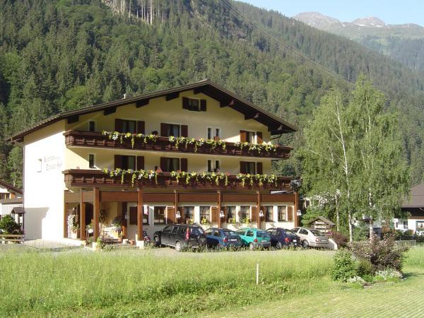 ホテル写真: Wohlfühlpension Tirolerhof, Partenen