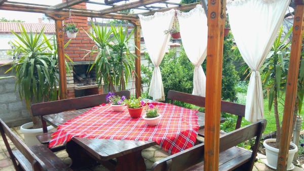 Fotos do Hotel: Guest House Baltadzhievi, Kavarna