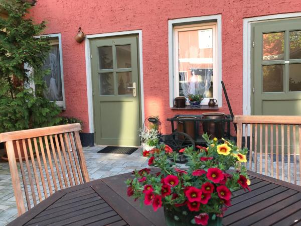 Hotel Pictures: Altstadthof-Ferienwohnung Rheinsberg, Rheinsberg