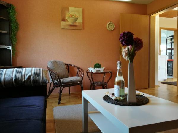 Hotel Pictures: Ferienwohnung am Wanderweg, Westerschoo