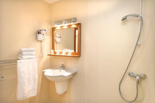 Hotel Pictures: Hotel de France, Chaudeyrac
