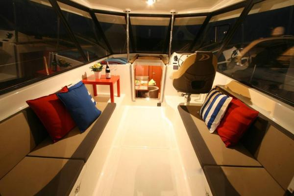 Hotel Pictures: Madam Delphia Boat, Ratomka