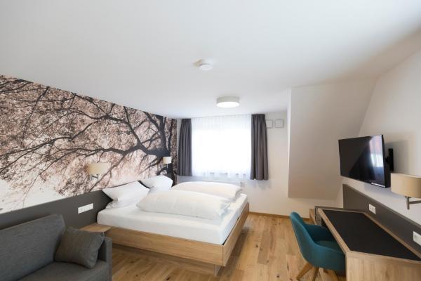 Hotel Pictures: Landgasthof Zahn, Elchingen