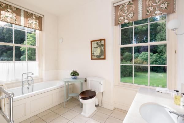 Hotel Pictures: Warwick Hall, Carlisle