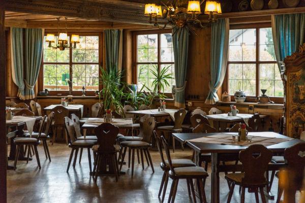 Hotel Pictures: Schmied von Kochel, Kochel
