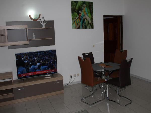 Hotel Pictures: Appartement T2I 2 Plateau, Abidjan