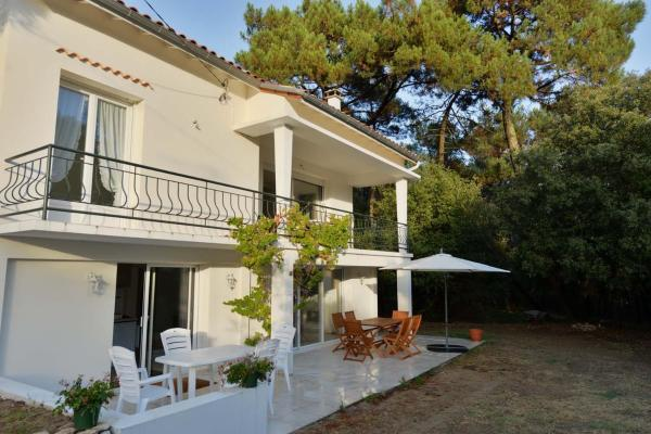 Hotel Pictures: Holiday home Rue des Rossignols, Saint-Georges-de-Didonne