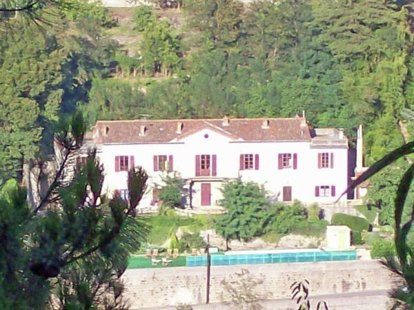 Hotel Pictures: Le Manoir au Soleil dans le Gard, La Grand'Combe