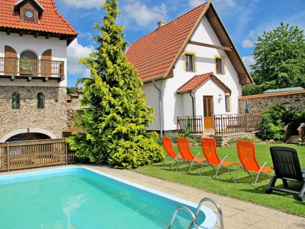 Hotel Pictures: Haus Vanova (100), Dubovice