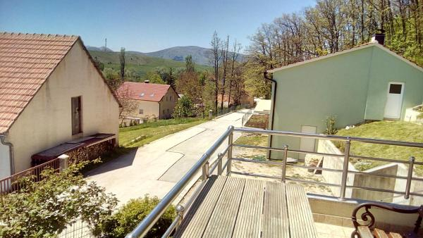 Fotos de l'hotel: Holiday home Crvenice, Tomislavgrad