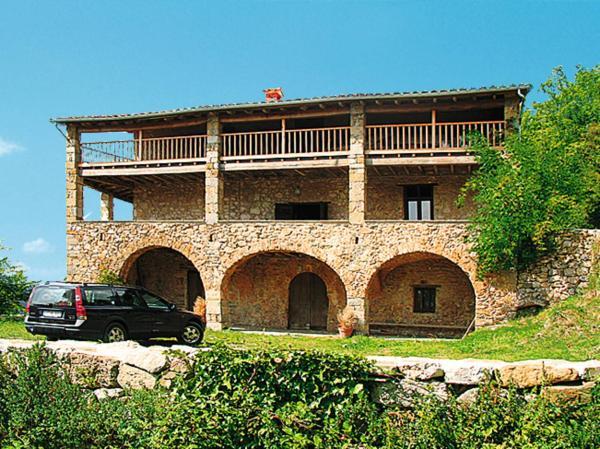 Hotel Pictures: Casa El Castell (100), San Miguel de Pera