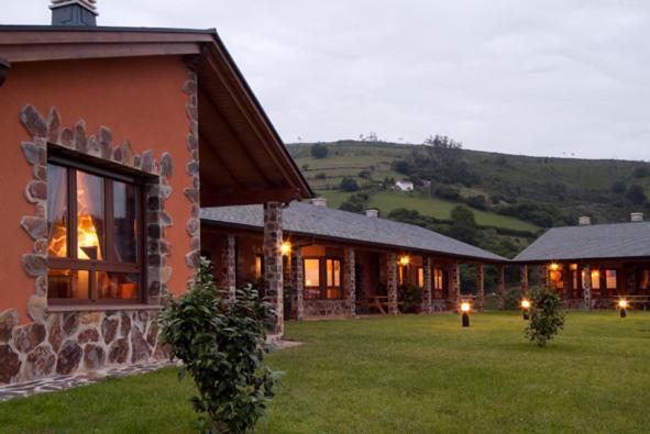 Hotel Pictures: Apartamentos Rurales El Fresnu, Silvamayor