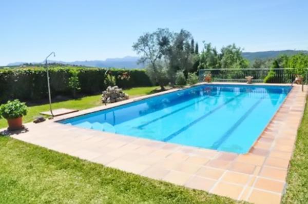 Hotel Pictures: Apartment Finca Los Picachos, Arriate