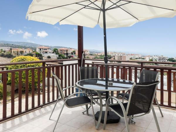 Hotel Pictures: Apartment Koutsolotremithis st, Peyia