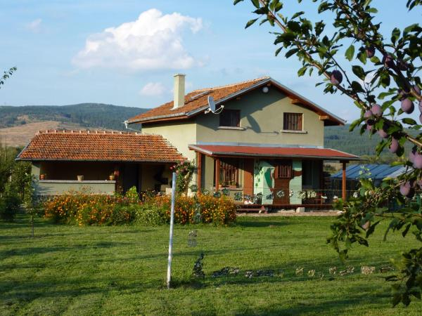 Fotos do Hotel: Villa The Green Woodpecker, Belchinski Bani